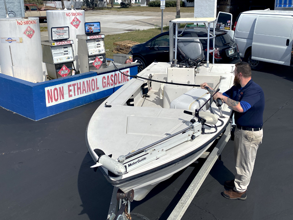 Boat Getting Filled with Non-Ethanol- Gas at Daytona Gas and Grills
